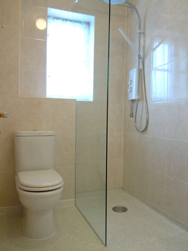 Wet rooms built by building contractor simon bailey for Wet room design ideas pictures